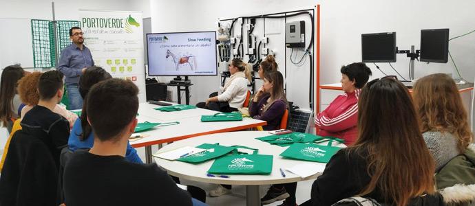 Nueva Jornada Formativa sobre Slow Feeding Equino impartida a los alumnos de MasterD